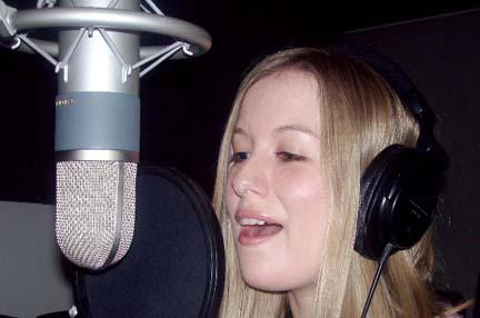 Anna Singing Soundtek 100_0509